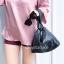 กระเป๋าครัช กระเป๋าถือ กระเป๋าทรงสามเหลี่ยม [สีดำ]