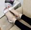 พร้อมส่ง รองเท้าส้นเตี้ยรัดข้อสีขาว มีสายมุกรัดข้อปรับระดับ แฟชั่นเกาหลี [สีขาว ] thumbnail 1