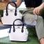 กระเป๋าสะพายแฟชั่น กระเป๋าสะพายข้างผู้หญิง The BOX 22 CM B&W [สีขาว] thumbnail 3