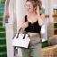 กระเป๋าสะพายแฟชั่น กระเป๋าสะพายข้างผู้หญิง The BOX 22 CM B&W [สีขาว]