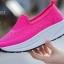 พร้อมส่ง รองเท้าผ้าใบเสริมส้นสีแดง พื้นสุขภาพ มีรูระบายอากาศ แฟชั่นเกาหลี [สีแดง ] thumbnail 3