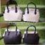 กระเป๋าสะพายแฟชั่น กระเป๋าสะพายข้างผู้หญิง The BOX 22 CM B&W [สีขาว] thumbnail 4