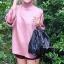 กระเป๋าสะพายแฟชั่น กระเป๋าสะพายข้างผู้หญิง อัดพีทห่วง [สีดำ]
