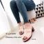 พร้อมส่ง รองเท้าส้นตันเปิดส้นสีครีม แต่งอะไหล่โลหะเหลี่ยมสีทอง แฟชั่นเกาหลี [สีครีม ] thumbnail 2