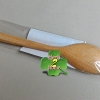 ช้อนไม้ ใช้ทำดีท็อกผิวได้ ทำจากไม้สมุนไพรเนื้อแข็ง ไม่มีสารเคมี ไม่เป็นอันตรายต่อร่างกาย (Detox)