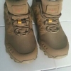 รองเท้าเดินป่า New Magnum สีน้ำตาล