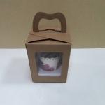 กล่องคัพเค้ก 1 ชิ้น หูหิ้วแบบหน้าต่าง 2 ด้าน สีคราฟท์น้ำตาล 9x9x10ซม.กล่องคัพเค้กพร้อมฐานรองคัพเค้ก (ช่องใส่คัพเค้กกว้าง 6.4ซม.) 20ใบ/แพ็ค