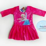 ชุดว่ายน้ำเด็กหญิงสีชมพูลายโซเฟีย แขนสามส่วน ด้านในกระโปรงเป็นกางเกงขาสั้น
