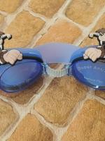 แว่นตาว่ายน้ำเด็ก Ben 10 สีฟ้า ตัวสายปรับได้