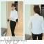 Preorder เสื้อทำงาน สีขาว คอปกช่วงอกแต่งระบายสวยเก๋ แขนยาว เนื้อผ้าระบายอากาศได้ดี thumbnail 2