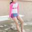 ชุดว่ายน้ำเด็กหญิงเสื้อแขนยาวสีชมพู - ขาว กางเกงขาสั้นสีเทา thumbnail 1