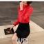 Preorder เสื้อทำงาน สีแดง คอตั้ง แขนแต่งระบายสวย จับจีบด้านหน้าสวยงาม thumbnail 1