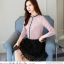 Pre-order เสื้อทำงาน สีชมพู คอระบายสวยหวาน แต่งมุกเรียงด้านหน้าไม่ซ้ำใคร thumbnail 7