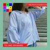 เสื้อแฟชั่น คอวี แขนตุ๊กตา แต่งโบว์หลัง ลายทาง สีฟ้า
