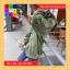 เสื้อคลุมแฟชั่น คอกลม แขนยาว ซิปหน้า กระเป๋าข้าง ลาย Why am สีเขียว thumbnail 4