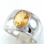 แหวนพลอยผู้ชายเงินแท้ 92.5 เปอร์เซ็น ฝังด้วยพลอยซิทรินแท้