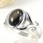 แหวนพลอยผู้หญิงเงินแท้ 92.5 เปอร์เซ็น ฝังด้วยพลอยแบล็คสตาร์แซฟไฟร์แท้