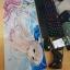 แผ่นรองเมาส์ ลายการ์ตูน ผู้หญิงชุดขาวกับท้องฟ้า 70x30 2mm.