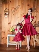 Swan Lace Set - สีแดง