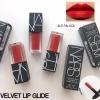 Nars Velvet Lip Glide ขนาดทดลอง 2ml. # Le Palace สีแดงสุดแซ่บ ลิปสติกไฮบริด เนื้อบางเบาแต่สีสดชัดแบบ Semi-Matte สูตร Oil Infusion Complex ส่วนผสมเชิงซ้อนเอกสิทธิ์เฉพาะของนาร์ส ด้วยนวัตกรรมไฮบริด ลิปสติกเนื้อเนียนลื่นเกลี่ยง่ายแบบลิปกลอส แต่ไม่เหนียวเหนอะห
