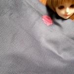 ผ้าลูกฟูกสีเทาเข้มลอนเล็ก ขนาดลอน2 มิลลิเมตรหาจากในไทยค่ะแบ่งขายขั้นต่ำ1/4m (50x55cm)