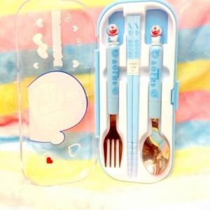 กล่องช้อนส้อมพกพา ลายโดเรมอน Doraemon