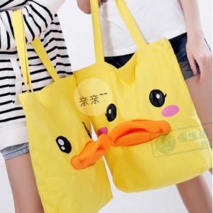 กระเป๋าเป็ด B DUCK ขนาด 40x40x22 cm มี3ลาย: เป็ดชาย เป็ดหญิง และเป็ดขยิบตา