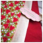 ผ้าcotton สั่งจาก USA 27x45 cm+ผ้าพื้น cotton สีครีม,ผ้าลายจุดขาวพื้นแดงหาในพื้นที่ขนาด 27x50cm สั่งหลายจำนวนผ้าต่อกันค่ะไม่ตัดแยกค่ะ