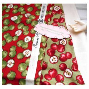 ผ้าcotton สั่งจาก USA 27x45 cm 2ชิ้น +ผ้าพื้น cotton สีครีมหาในพื้นที่ขนาด 27x50cm สั่งหลายจำนวนผ้าต่อกันค่ะไม่ตัดแยกค่ะ
