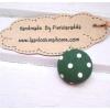 2 cm ~กระดุมปั๊มลายจุดขาวพื้นเขียว 1 จำนวน=6 เม็ดค่ะ