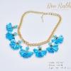 สร้อยคอโซ่ทอง ประดับช่ออะคริลิคสีฟ้าใส สวยหรู