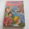 ห้าสหายผจญภัย เล่ม 1 ตอน เกาะมหาสมบัติ (The Famous Five : Five On a Treasure Island) พิมพ์ครั้งที่ 5 Enid Blyton เขียน ฉันทนา ไชยชิต แปล***สินค้าหมด***