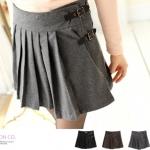 [Preorder] กระโปรงทำงานแฟชั่นสั้นพลีทด้านหน้า สีเทาเข้ม The leather straps woolen pleated skirt