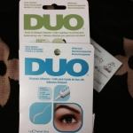 กาวติดขนตา Duo