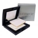 Laura Mercier Translucent Pressed Setting Powder (8.1g.) แป้งฝุ่นอัดแข็ง โดดเด่นด้วยเนื้อแป้งโปร่งใส ไม่มีสี ใช้สำหรับเซ็ตรองพื้นให้ติดทนยาวนานตลอดวัน ไม่เปลี่ยนสี
