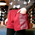 [Preorder] กางเกงขาสั้นแฟชั่นประดับหนังเทียมตรงกระเป๋ากางเกงมาพร้อมเข็มขัดหนังเก๋ๆ สีแดง Color belt pocket then fur shorts + belt
