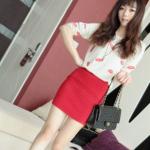 Top002-เสื้อแฟชั่นเกาหลีนำเข้าสีขาว-สีเบจ ลายปักรูปปากสีแดง น่ารักมากจ้า (พร้อมส่ง)