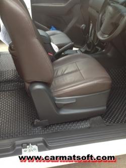 พรมปูพื้นรถยนต์ all new isuzu cab พรมกระดุม สีดำ เต็มคัน
