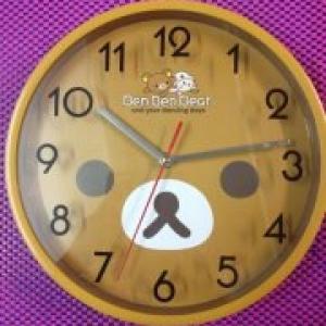 นาฬิกาแขวนผนัง Rilakkuma ขนาดเส้นผ่าศูนย์กลาง10นิ้ว