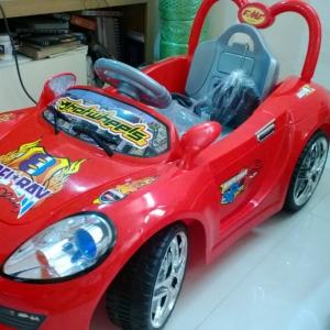 รถแบตเตอรี่ HD6420 เฟอร์รารี่ สีแดง เหลือง ชมพู