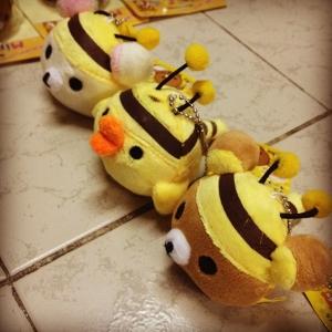 เซ็ตพวงกุญแจ3ตัว ชุดผึ้ง ไม้ฆ้อน Rilakkumaคุมะ + Korilakkuma โคริ + Kiioritori โทริ (249บาท ได้3ตัว)