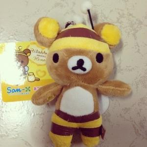 พวงกุญแจ ตุ๊กตา Rilakkuma ใส่ชุดผึ้ง