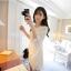 เดรสทรงปล่อยผ้าดอกไม้สีขาวเก๋ที่ชายและปลายแขนตัดเป็นดอกด้านหลังเป็นผ้าพื้นสีขาวตามแบบเลยนะค่ะ thumbnail 16