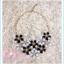 พร้อมส่งค่ะ item ออกงาน สร้อยคอดอกไม้โทนขาว ดำ thumbnail 2