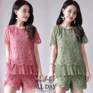 ชุดเซ็ตเสื้อ+กางเกงผ้าลูกไม้ลายสวย สีเขียว สีชมพู ชายเสื้อแต่งผ้าชีฟองอัดพลีท ชุดมีซับในทั้งเสื้อและกางเกงค่ะ