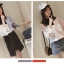 เสื้อเชิ๊ตแฟชั่นแต่งสองสี โชว์ไหล่ข้างเดียวสไตล์เกาหลี thumbnail 4
