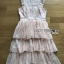 เดรสผ้าลูกไม้สีพีชตกแต่งเลเยอร์ ตัวนี้เป็นแนวค็อกเทลไว้ใส่ไปงานแต่งงานหรือปาร์ตี้ ป้าย Lady Ribbon นะคะ thumbnail 8