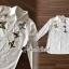 T-Shirt ลุคสาวไฮคลาสเรียบเก๋ ดีเทลทรงเชิ๊ทสีขาวดูเรียบหรู ทรงปล่อย เนื้อผ้าคอตตอลใส่สบาย thumbnail 8