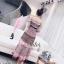 เดรสลูกไม้ลุคสาวหวานสไตล์แบรนด์ดังสวยหรู เนื้อผ้าลูกไม้เย็บแต่งสลับสีสวยมากๆค่ะ ดีเทลแขนยาว เปิดไหล่สวย กระโปรงบาน เนื้อผ้ามีน้ำหนักใส่เป็นทรงสวย มีซับในอย่างดีค่ะ งานป้าย2Sister thumbnail 10