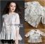 เสื้อผ้าคอตตอนตกแต่งผ้าทูลเลปักลายดอกไม้ตกแต่งชายระบาย ตัวนี้เป็นลุคสาวหวานสไตล์โบฮีเมียนแบบแบรนด์ Chloe เลยค่ะ ป้าย Lady Ribbon thumbnail 3